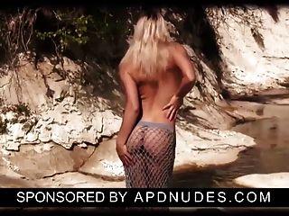 Laura Por Apdnudes.com