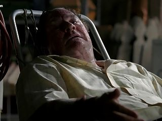 Lizzy Caplan Nude De La Verdadera Temporada De Sangre 1