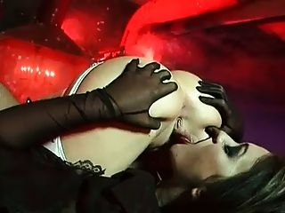 Fetiche Putas Michelle B Y Vampiro Renee Richards