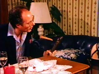 Lili Marlene (deseo Prohibido) (escena 4) (1982)