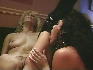 Melanie Moore Y Alicia Rio Lesbian Scene