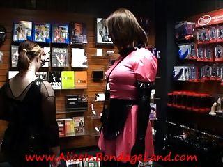 Public Sissy Bondage Shopping Humillación Femdom Amante