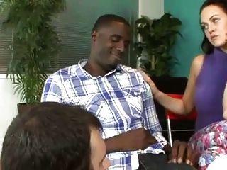 Esposa Mostrando Marido Cómo Chupar Polla Negro