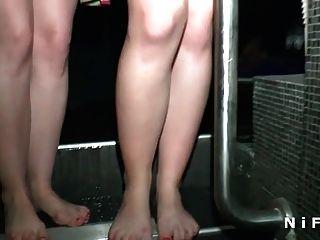 Joven Aficionado Anal Primera Vez En El Club Swinger