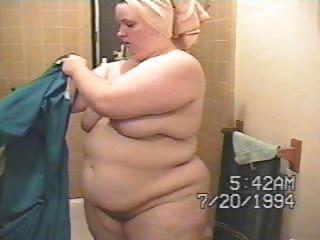 Mujer Gordita Salir Del Baño