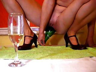 Champagne Botella En El Coño
