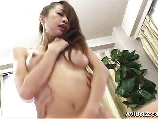 Busty Japanese Babe Se Folla Duro