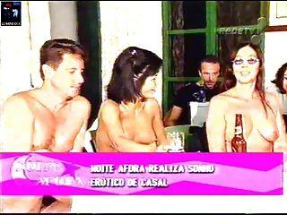 Desnudez En El Programa De Televisión Nude Camp Fkk