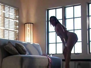 Renee Perez Desnudándose Y Mastubándose