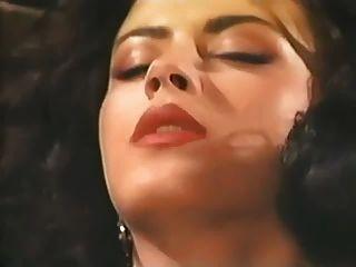 Debora Welles, Sierra Y Alicia Rio En Cosquillas Rosa