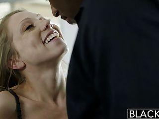 Blacked Petite Blonde Gritos En Enorme Dick Negro