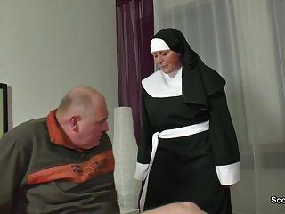 Abuela Alemana Monja Follada Con No Papá En Sextape