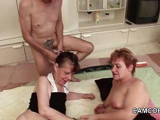 Abuelo Y Abuelo Alemán En Privado Trio Aficionado