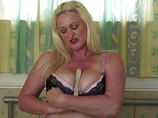 Sexy Mamá Madura Con Grandes Tetas Y Culo