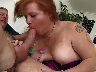 Bbw Scarlett Raven Obtiene Su Coño Afeitado Gordo Follada