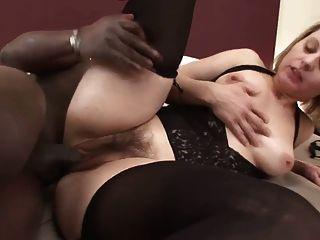 Mujer Peluda Agradable Con La Polla Negra