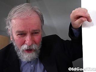Viejo Viejo Va Viejo Sabe Cómo Comer Coño