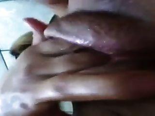 Rubia Gruesa Coño Mojado Digitación Orgasmo