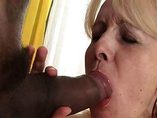 Abuelita Rubia Folla Polla Negra
