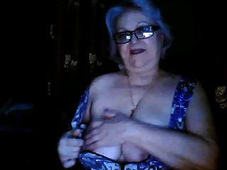 Mamá Rusa Ex Profesor Flashing Sus Tetas Grandes En La Webcam