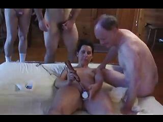 Aficionado Caliente Maduro Bareback Pierced Esposa Gangbang