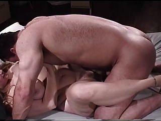 Lani Lainey Y Chico Con Los Músculos