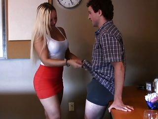 Handjob Por Sexy Y Busty Rubia
