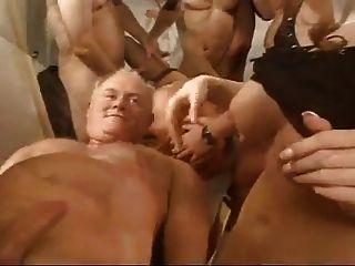 Tres Putillas Se Follan Y Cummed En Por Varios Chicos