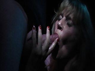 Hotvivien Big Schwanz Geblasen Im Pornokino