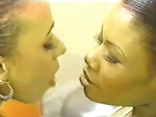 Besos De Lengua Suave De Lesbos Negros