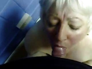 Cumming En La Boca De Mi Esposa Madura