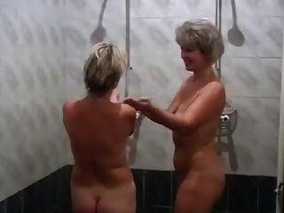 Mamás Rusas Irina Valia En La Sauna