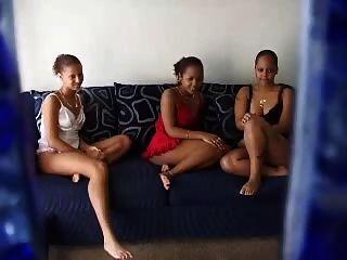 Aficionado Ebony Lesbianas Trío