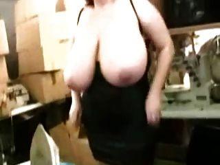 Chica Rusa Con Pechos Naturales