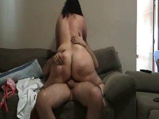 Dandole Azotes En El Culo A Su Mujer