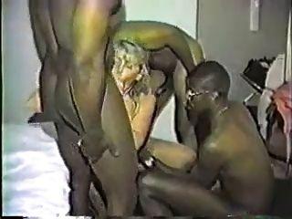 Esposa Interracial Gangbang