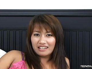 Cute Tailandés Follando Y Follando Muy Duro