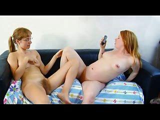 Sexy Pelirrojas Masturbándose Juntos
