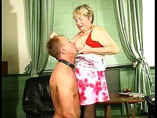 Abuela Rusa Con Su Hijo No Esclavo