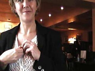 Reino Unido Sara, Un Almuerzo De Pub.