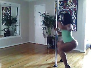Twerking Lento Y Suave Y Pole Dancing