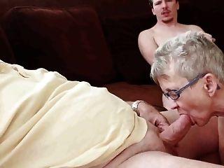 Abuela Y Abuelo Con Niño