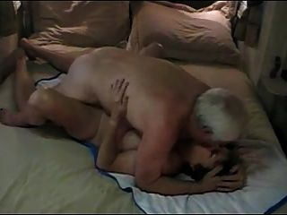 Pareja De Ancianos Calientes Disfrutar