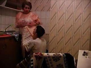Abuela Rusa En La Cocina R20