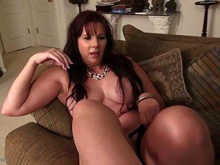 Mamá Madura Sexy Con Buenas Tetas Y Cuerpo Caliente