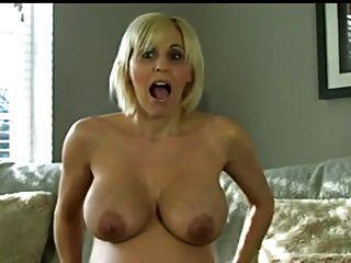 Hermosa Striptease Rubia Embarazada