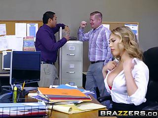 Brazzers Tetas Grandes En El Trabajo Kagney Linn Karter Y Michael