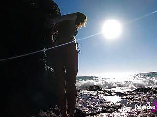 Rahyndee James Playa Nudista Follando Pov