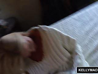 Kelly Madison Follando A Sí Misma Con Un Juguete De Cristal Sucio