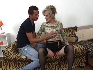 Sexo Tabú Con Mamá Madura Janka Y Chico Joven